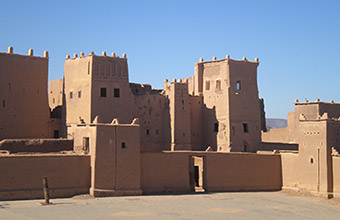 Ksar di Ait Benhaddou con dentro Kasbah - 20km da Ouarzazate