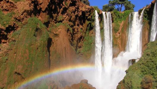 Cascate di Ouzoud con arcobaleno