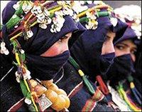 donne berbere in costumi tradizionali